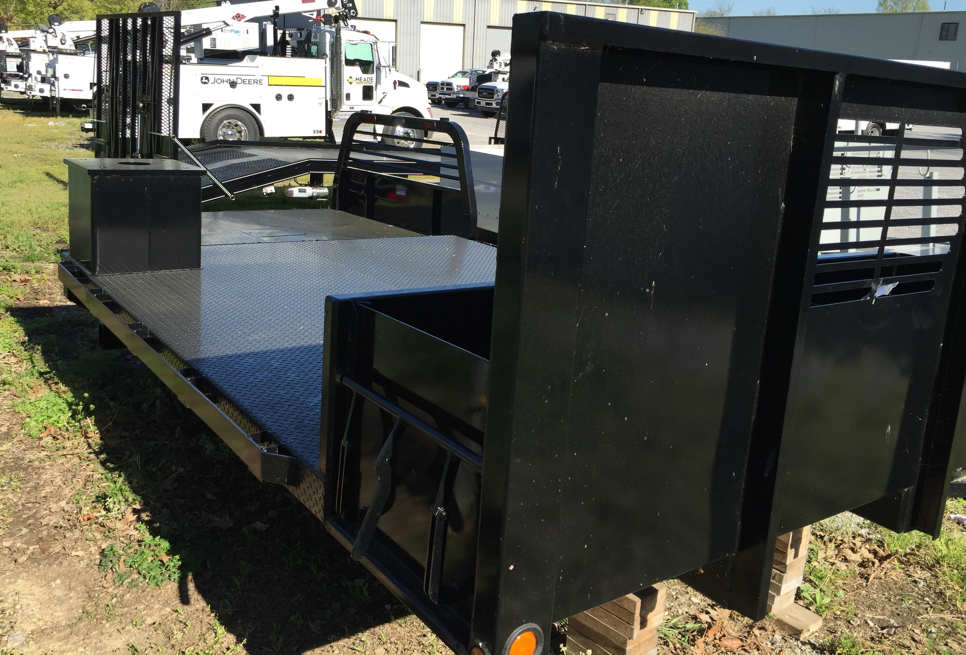 monument flatbed body